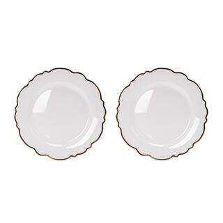 طبق زجاج لأسفل صحن المائدة قطعتين من لاميسا