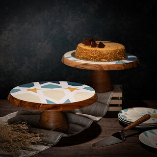 Arabesque Cake Stand With Cake Lifter