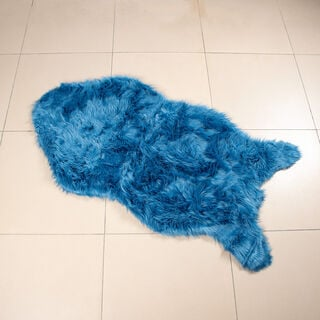 سجادة فرو أزرق