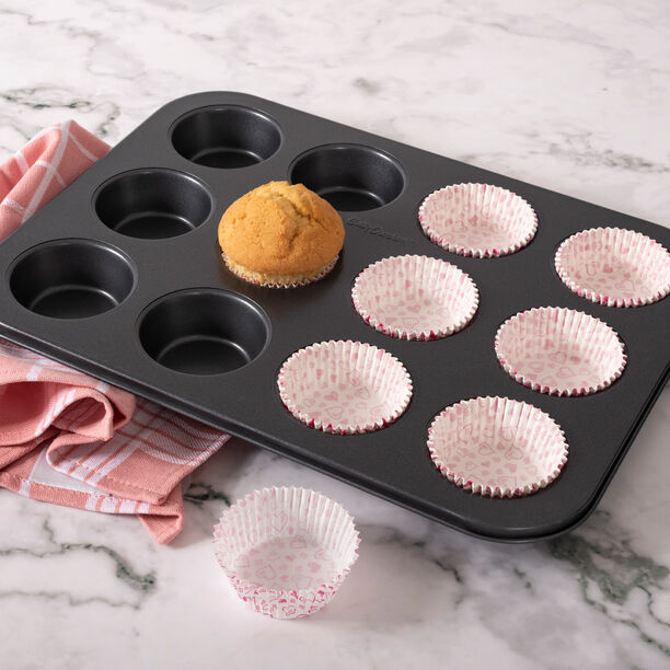 Betty Crocker Muffin Pan Nonstick 12 Muffins image number 3